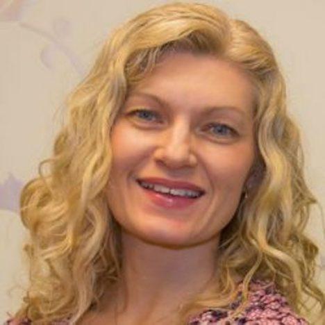 Dr. Lauren Vigna