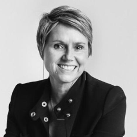 Kirsten Karchmer - Paleo f(x)™ 2019 Speaker